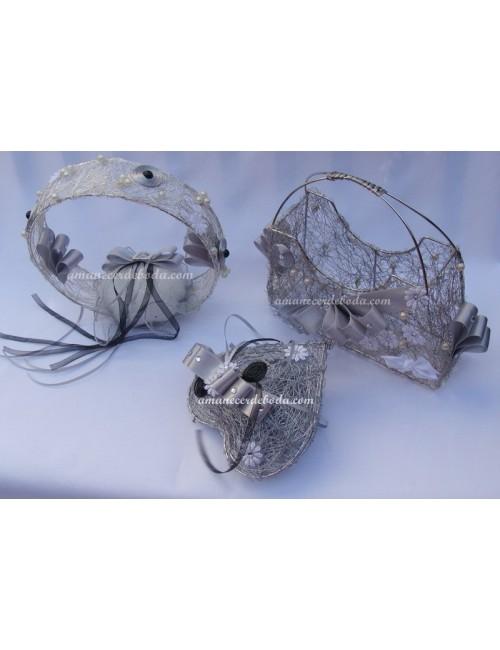 Tres piezas anillos arras y petalos