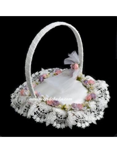 Cojín alianzas y cesta arras flores